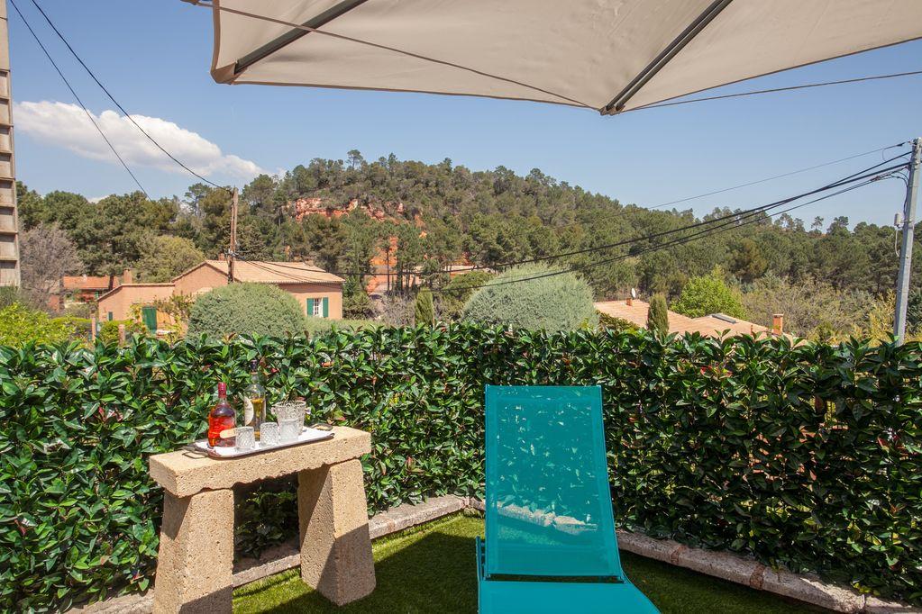 Offres locations vacances agr able maison de village avec - Location maison avec piscine luberon ...